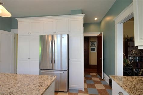 cost for kitchen cabinets classic white cabinetry in this cool and timeless kitchen 5886
