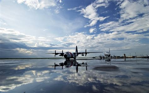 Planes on the runway wallpapers and images - wallpapers ...