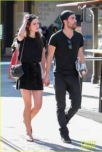 Paul Wesley & Phoebe Tonkin Hold Hands, Confirm They're ...