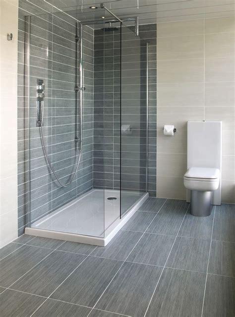 Grey Bathroom Tiles by Best 25 Light Grey Bathrooms Ideas On Grey