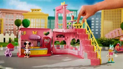 la cuisine de minnie smyths toys minnie mouse magic restaurant