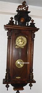 Wanduhr Mit Bildern : alter regulator wanduhr mit aufsatz und t rmchen gr nderzeit regulator ~ Watch28wear.com Haus und Dekorationen