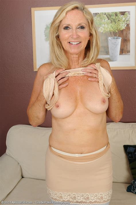 Hot Show From Wrinkled Granny Mature Xxx Pics