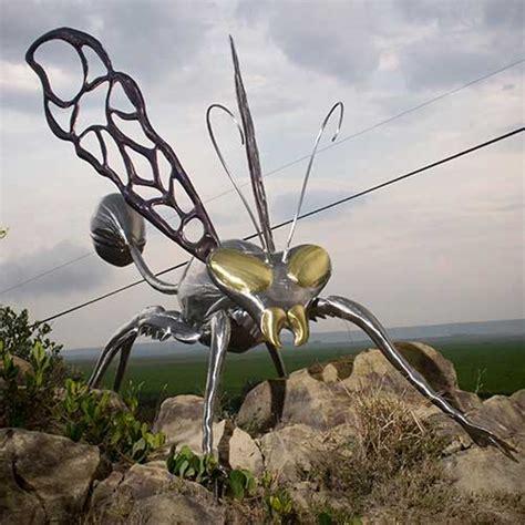 Vincentaa Sculpture