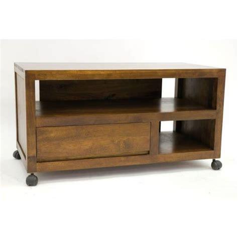 canape corbusier meuble tv bas sur roulettes