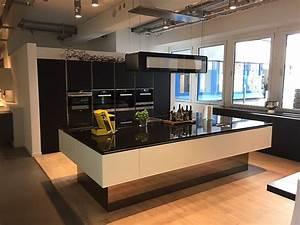 Küche Mit Granitarbeitsplatte : sonstige musterk che glas k che s m kombiniert w l ausstellungsk che in von ~ Sanjose-hotels-ca.com Haus und Dekorationen