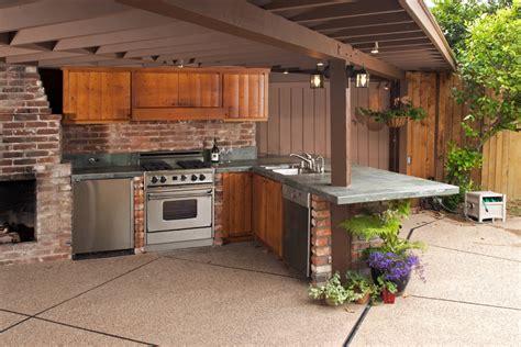 cuisine astuce abri barbecue quel matériau et prix pour abri de