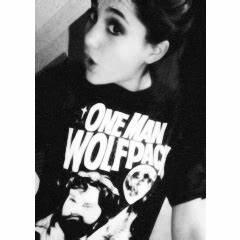 Ariana Grande: Ariana Grande Icon (With White Border)