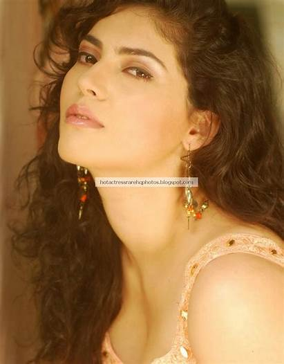 Actress Sherin Shringar Stills Tamil Navel Smoking