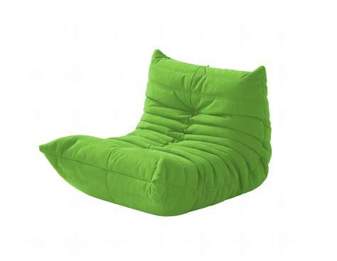 canapé togo fauteuil rembourré en tissu pour enfants mini togo by roset italia design michel ducaroy