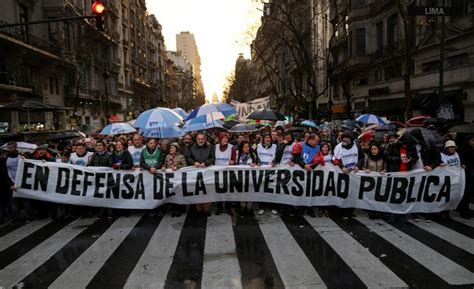 2100, bagot la baie (qc), g7b 2p9. Multitudinaria marcha en defensa de universidad pública en Argentina   RCN Radio