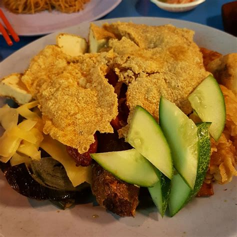 We are going far inland today, to search for a food that is so popular. Boon Lay Place Food Village - Singapore   Burpple