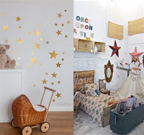 pochoirs chambre bébé 8 idées pour une chambre de bébé étoilée idées cadeaux