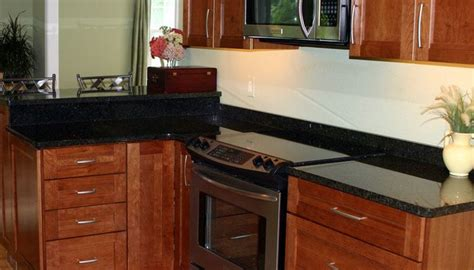 kitchen cabinets and islands best 25 kraftmaid cabinets ideas on gray and 5904