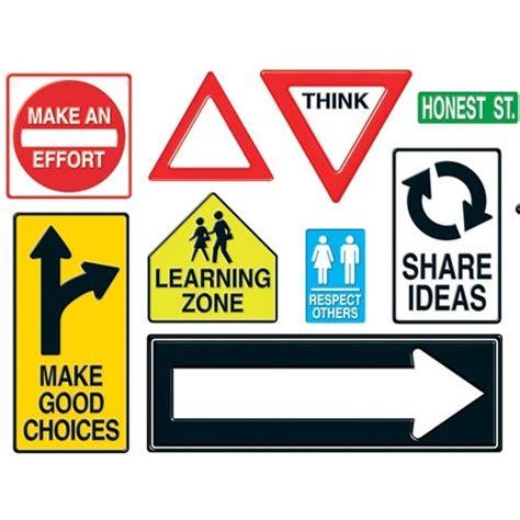 best 25 road bulletin board ideas on construction bulletin boards travel bulletin
