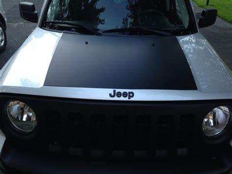 plasti dip jeep liberty plasti dipped hood detail ideas for my jeep patriot