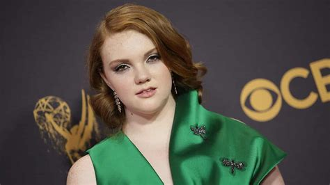 shannon purser netflix sierra burgess is a loser netflix acquisisce il film con