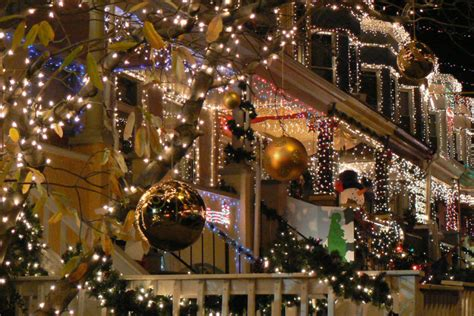 top  christmas towns  maryland