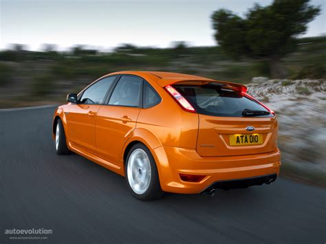 Ford Focus St 5 Doors Specs