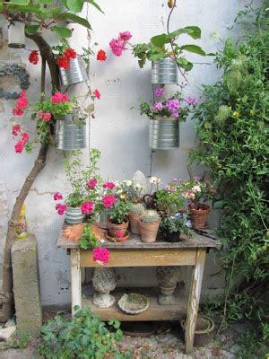 Gartenanders Ein Blumentisch Für Den Garten