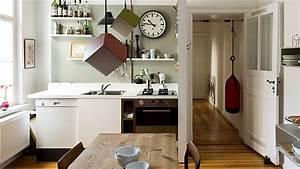 Atelier Einrichten Tipps : auch eine kleine k che l sst sich geschickt einrichten quelle imago westend61 k chen ~ Markanthonyermac.com Haus und Dekorationen
