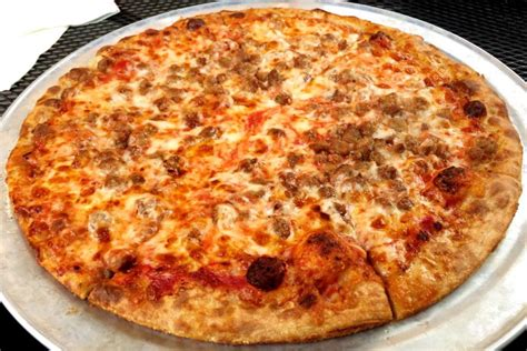 cuisine food photo hamburger pizza from darcy 39 s pub quincy ma boston 39 s restaurants
