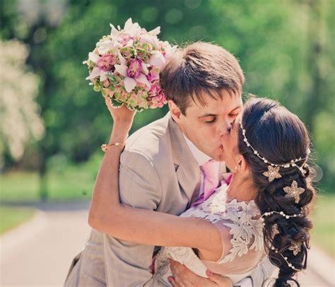 quelle fleur pour cheveux mariage coiffure mariage tresse 35 photos merveilleuses pour vous