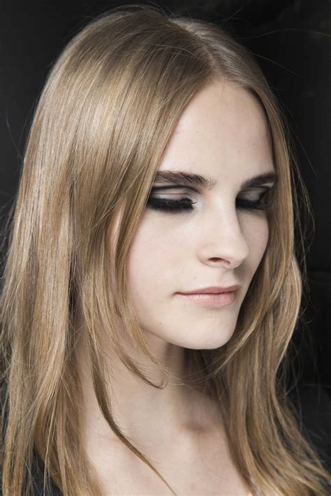 Best hairstyles for square faces to try this party season