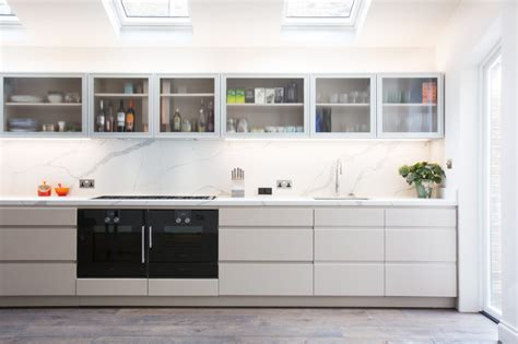 Kitchen Cupboards Uk by Handle Less Kitchens Modern Beautiful And Efficient