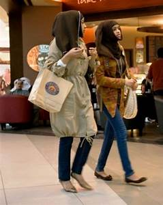 Book Of Kuwaiti Women Dress Code In Thailand By Michael ...