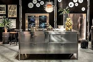 Edelstahl kuchen mobel for Freistehende küchen