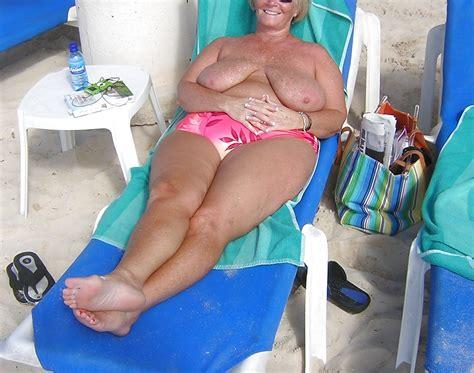 Mona Von Illinois Und Ihre Riesigen Schlaffe Titten Porno