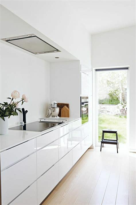 cuisine blanche laqu馥 la cuisine blanche laquée en 35 photos qui vont vous inspirer archzine fr
