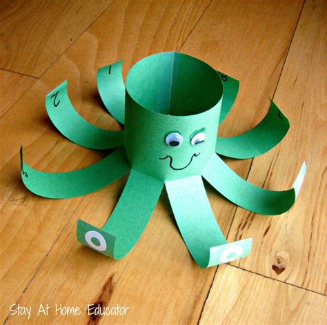 ten themed preschool activities 596 | Counting octopus for ocean preschool theme Stay At Home Educator 1000x995