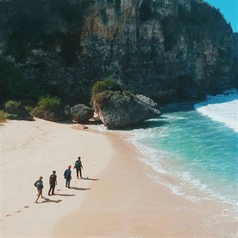 foto pantai ngrumput gunung kidul yogyakarta