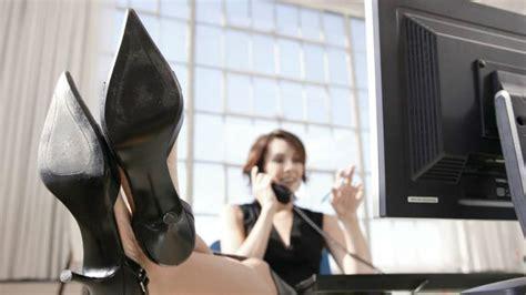 women   dont  working  female bosses