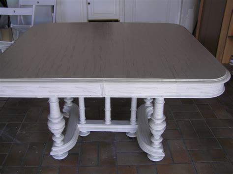 relooker table de cuisine repeindre relookage meubles et fauteuils de style dans le 44