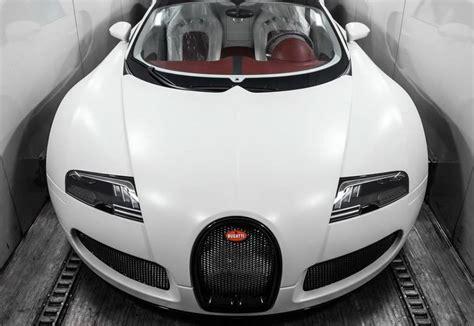 Con el bugatti veyron vw resucita una leyenda automovilística. El Alfa se fotografió con un Bugatti que nunca compró y fue descubierto
