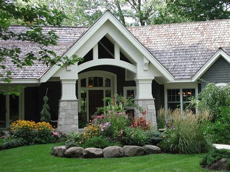 homes with great curb appeal great curb appeal garden rooms pinterest