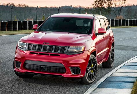 trackhawk jeep cherokee jeep grand cherokee trackhawk the awesomer