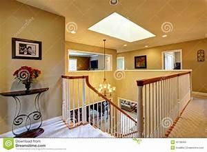 Escalier De Maison Interieur : int rieur de luxe de maison en haut couloir avec l ~ Zukunftsfamilie.com Idées de Décoration