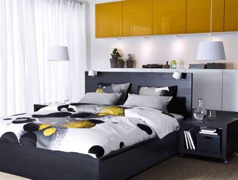 chambre malm chambre à coucher avec lit malm brun noir rangement bestå