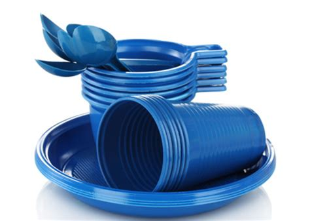 piatti e bicchieri di plastica piatti bicchieri di plastica ecco cosa diventano se