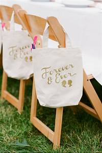 20 great wedding favors for destination weddings With wedding gift ideas for guests