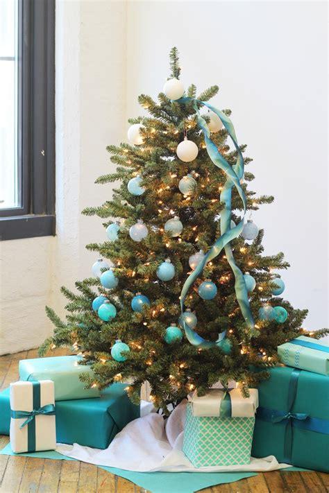 christmas tree   ways hgtv