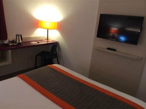 am駭agement coin bureau coin bureau avec prises électriques et rj45 tv lcd picture of comfort hotel expo colmar colmar tripadvisor