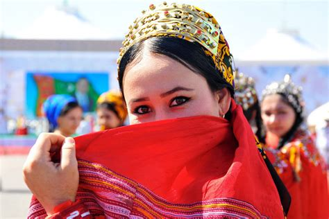 Turkmenistan Culture: especially traditions and language