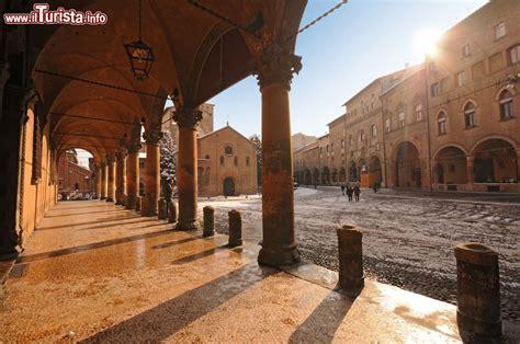 a bologna piazza santo stefano a bologna emilia romagna foto
