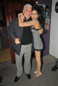 Welcome To Simply Cheska's Blog...: Amy Winehouse's Father ...