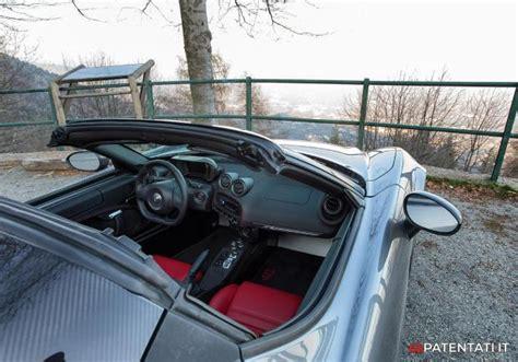 Alfa 4c Interni Foto Alfa Romeo 4c Spider Interni Tetto Scoperto Patentati